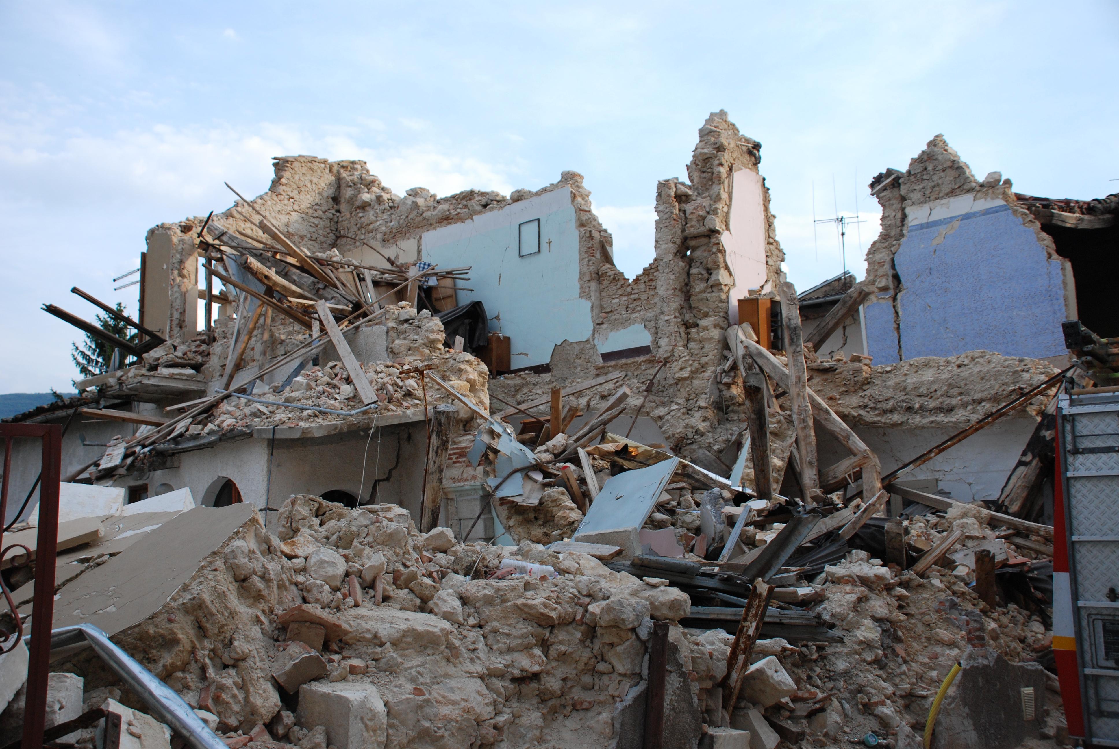Speciale terremoto cosa significa ricostruzione for Foto di case